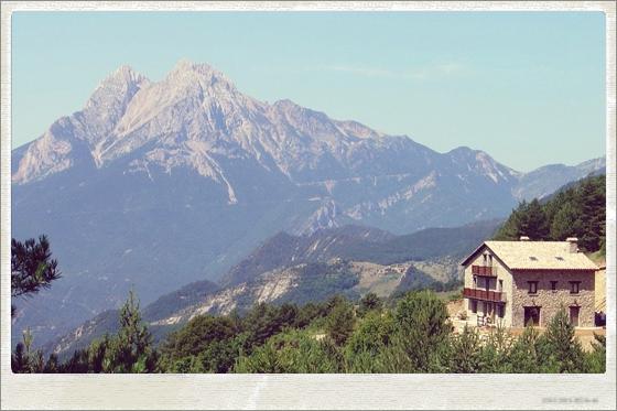Mountain cottage yoga retreat